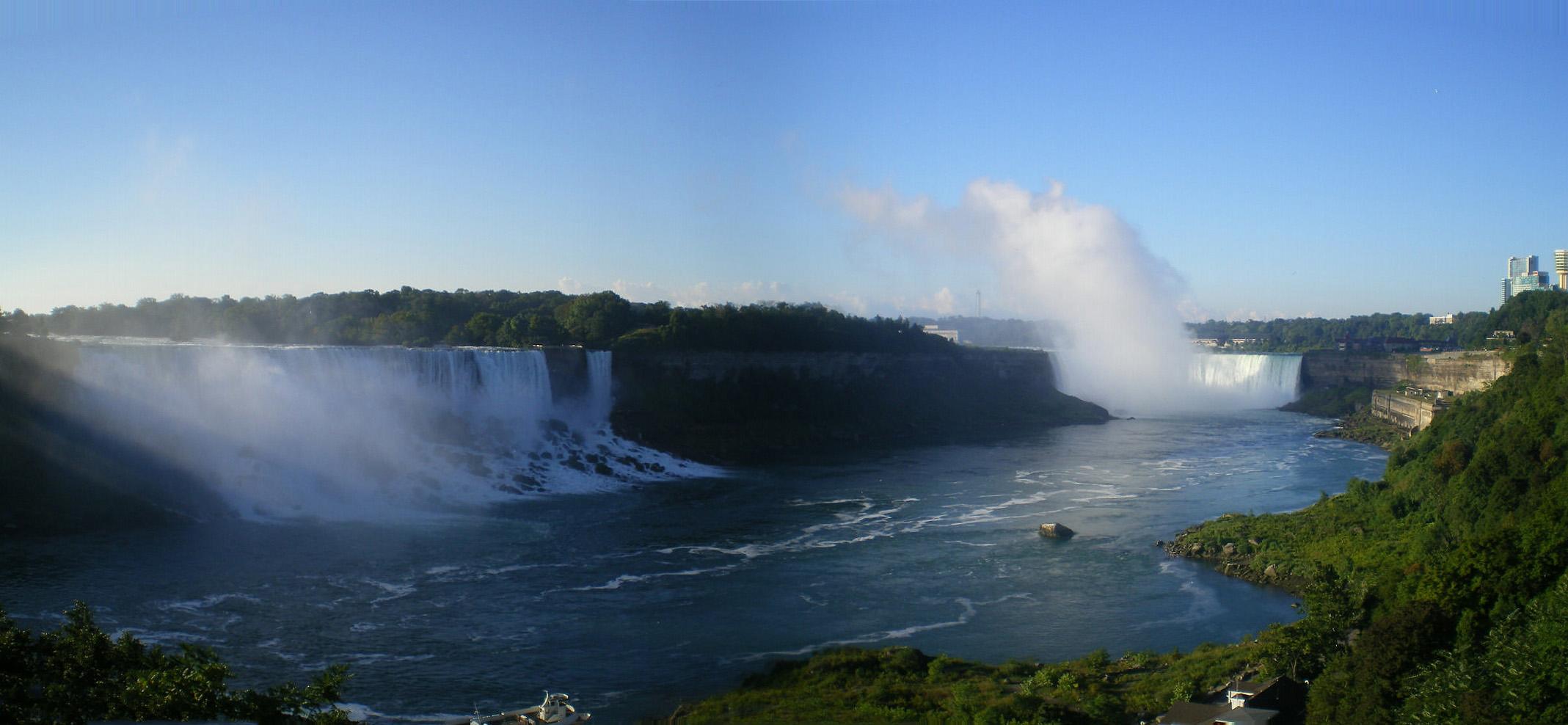 Falls_Panorama