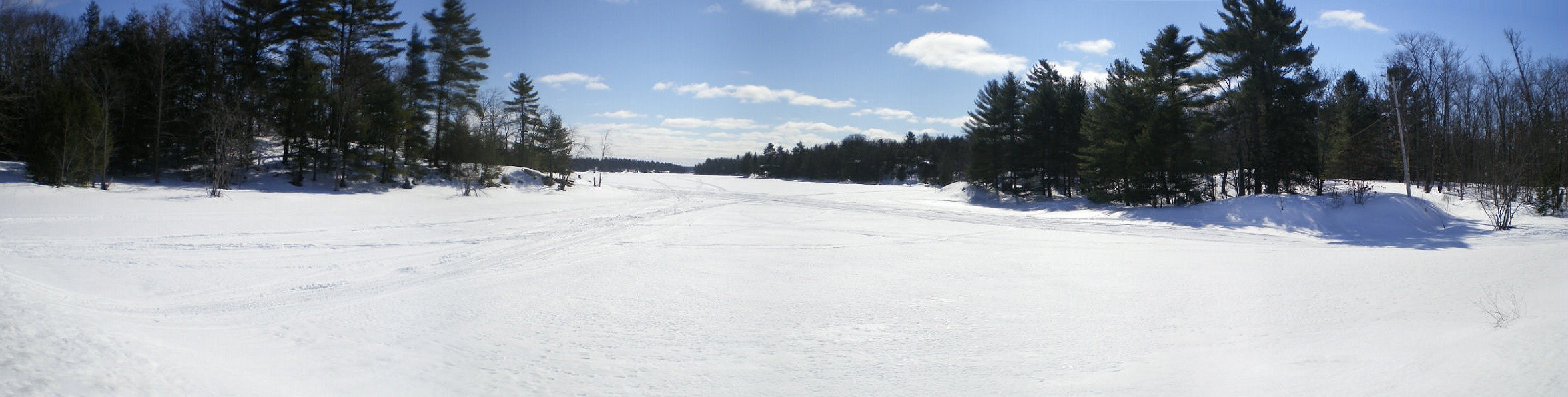 Lac_gele_en_Ontario